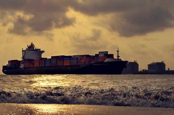 Ship_entering_port_high_res.jpg